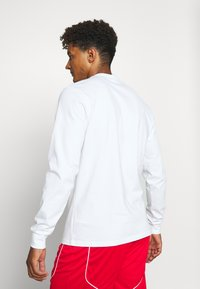 Puma - HOOPS PULL UP TEE - Long sleeved top - white - 2