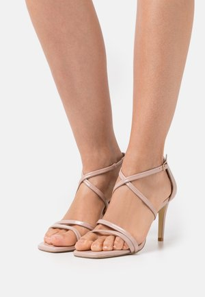 WIDE FIT MUSICAL - Sandals - blush