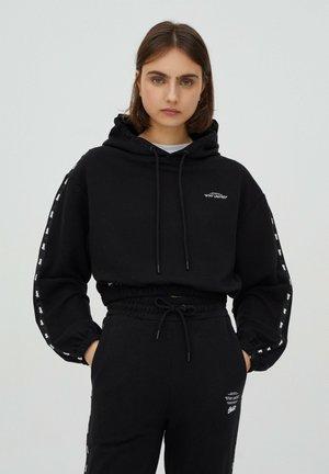 HOODIE MIT FARBLICH ABGESETZTEN STWD-STREIFEN - Sweatshirt - black