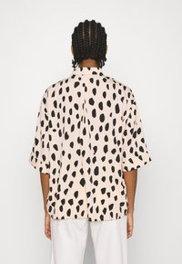 Monki - TAMRA BLOUSE - Button-down blouse - beige - 2