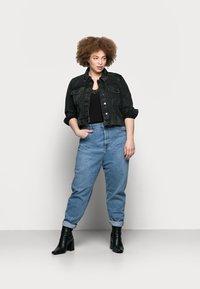 Vero Moda Curve - VMMIKKY SHORT JACKET - Denim jacket - black - 1