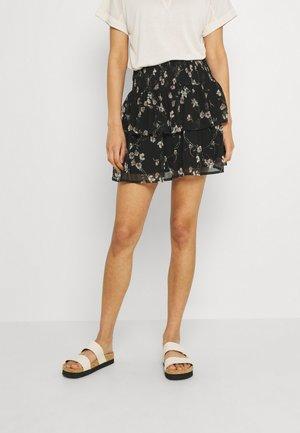 VMWONDA SMOCK SHORT SKIRT - A-snit nederdel/ A-formede nederdele - black