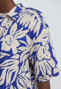 OYSHO - TROPICAL  - Button-down blouse - blue - 3