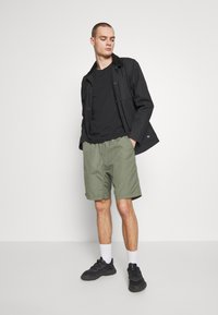 Cotton On - ESSENTIAL TEE 3 PACK - Basic T-shirt - black - 1