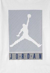 Jordan - JUMPMAN BLINDS - Long sleeved top - white - 2