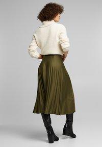 Esprit - MIT ELASTIK-BUND - A-line skirt - khaki green - 2
