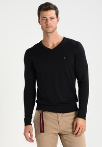 Tommy Hilfiger - V-NECK  - Maglione - flag black - 0