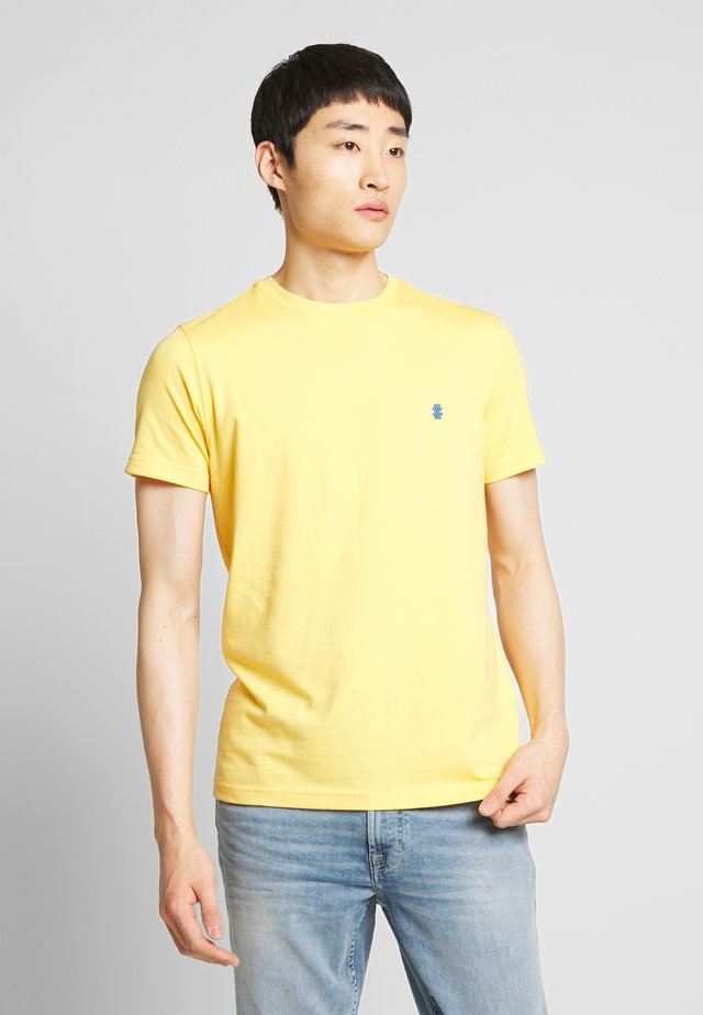 BASIC SOLID TEE - Basic T-shirt - buff yellow
