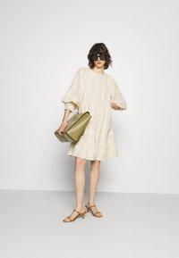 Selected Femme - SLFDANIELA DRESS - Cocktailklänning - sandshell - 1