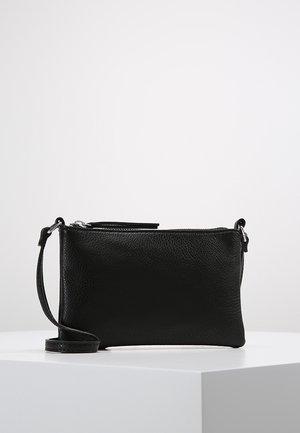 VMNOLA CROSS OVER BAG - Taška spříčným popruhem - black