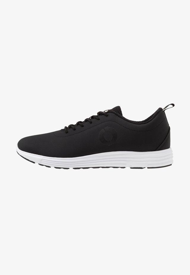 OREGON - Sneakersy niskie - dark grey/white