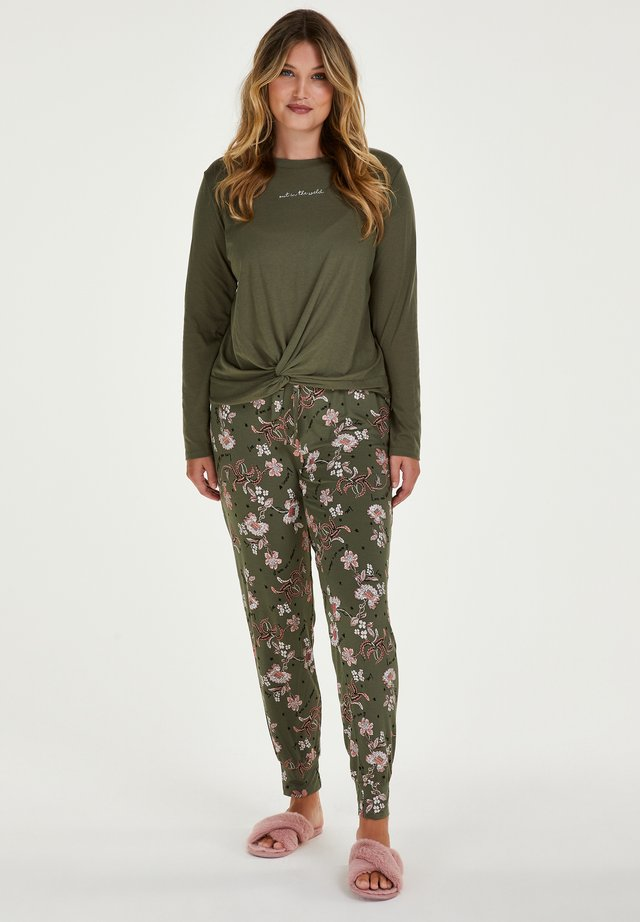 Pyjamahousut/-shortsit - four leaf clover