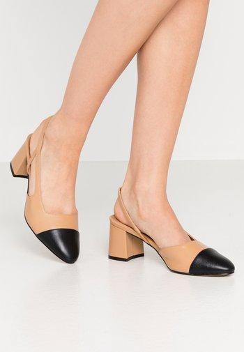 CROFTS - Classic heels - camel