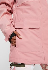 DC Shoes - PANORAMIC - Snowboard jacket - dusty rose - 9