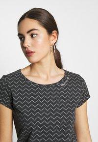 Ragwear - ZIG ZAG - Print T-shirt - black - 4