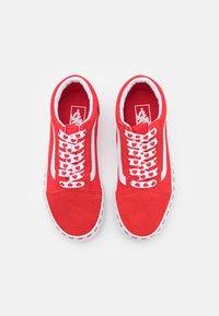 Vans - OLD SKOOL - Sneakers - fuchsia purple/high risk red - 3
