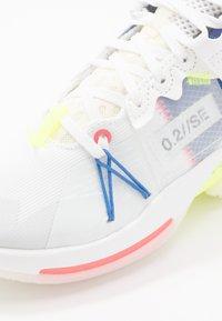 Jordan - WHY NOT 2 SE - Basketbalové boty - white/ghost aqua/hyper royal/volt/sail - 2