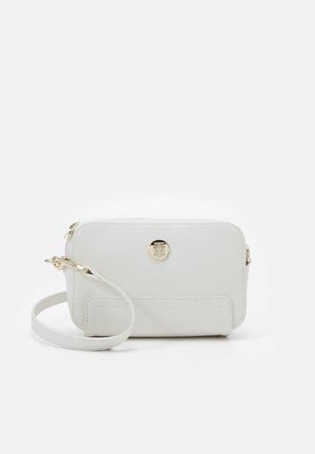 HONEY CAMERA BAG - Across body bag - beige