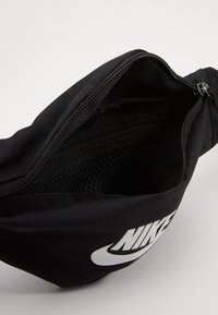 Nike Sportswear - HERITAGE - Bum bag - black/white - 3