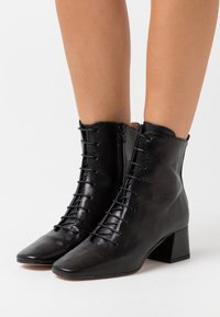Bianca Di - Lace-up ankle boots - nero - 0