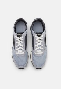 Reebok Classic - CL  - Trainers - metal grey/black/cold grey - 3