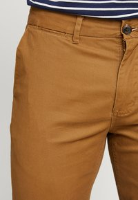 Scotch & Soda - MOTT CLASSIC SLIM FIT - Chino - walnut - 3