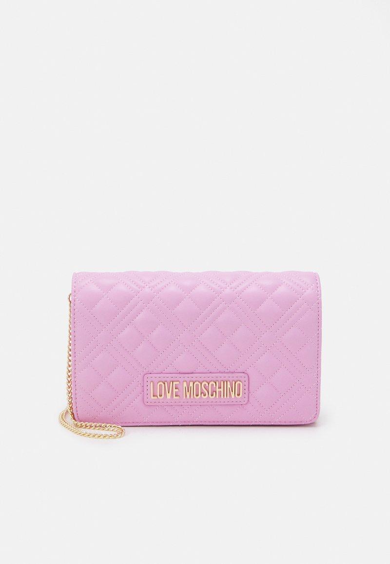 Love Moschino - QUILTED CHAIN LOGO CROSSBODY - Across body bag - malva