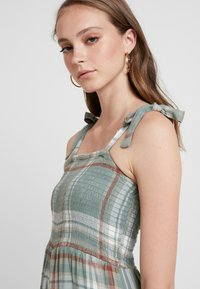 American Eagle - TIE STRAP WITH SMOCKING - Combinaison - green - 4