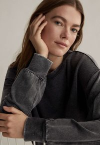 OYSHO - Sweatshirt - dark grey - 3