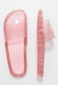 Superdry - MOULDED POOL SLIDE - Sandály do bazénu - crystal pink - 3