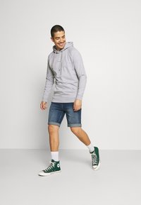 Denim Project - LIGHT DESTROY - Denim shorts - texas blue - 1