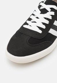Burton Menswear London - SONNY - Sneakers laag - black - 5