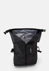 adidas Originals - ROLLTOP UNISEX - Rucksack - black - 2