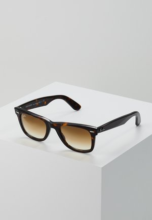 0RB2140 ORIGINAL WAYFARER - Solbriller - crystal brown gradient
