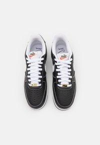 Nike Sportswear - AIR FORCE 1 '07 - Sneakers basse - black/white/sail/team orange - 3