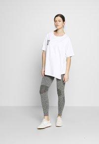 MAMALICIOUS - ACTIVE TIGHTS  - Leggings - Trousers - medium grey melange - 1