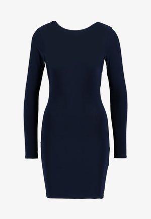 SLINKY CROSS BACK MINI DRESS - Pouzdrové šaty - navy