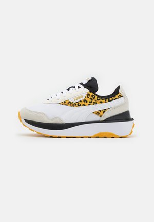 CRUISE RIDER ROAR - Sneakersy niskie - white/mineral yellow