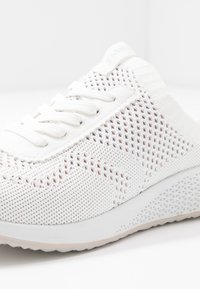 Tamaris Fashletics - Baskets basses - white - 2