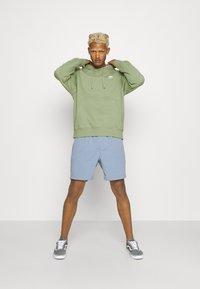 Nike Sportswear - CLUB HOODIE - Sweatshirt - oil green - 1
