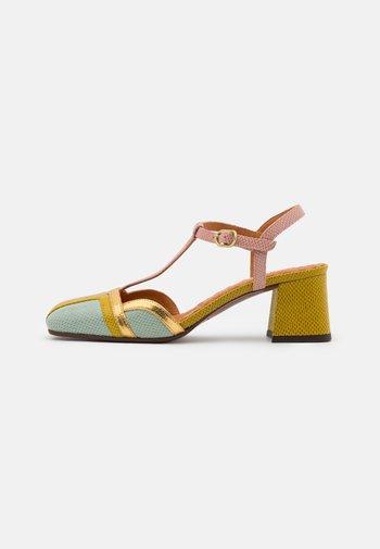 VORITA - Classic heels - salvia/powder/curry/tana gold