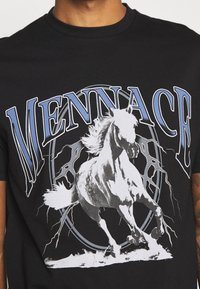 Mennace - LIGHTNING FAST TEE - T-shirt med print - black - 5