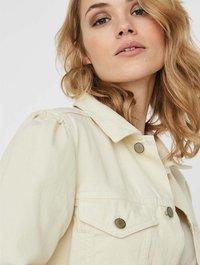 Vero Moda - Denim jacket - ecru - 3