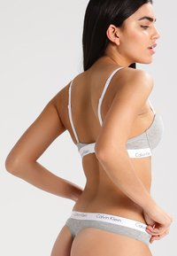 Calvin Klein Underwear - BRA - Sujetador sin tirantes/multiescote - grey heather - 2