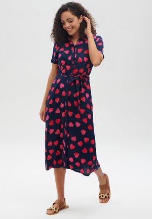 LAURETTA BIG HEART BATIK - Shirt dress - navy