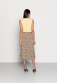 Moss Copenhagen - MABEA SKIRT - A-line skirt - black flower - 2