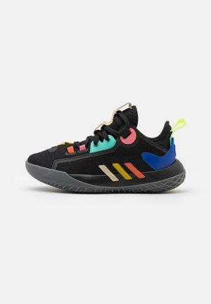 HARDEN STEPBACK 2 UNISEX - Basketball shoes - core black/yellow/acid mint
