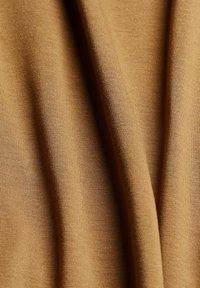 Esprit Collection - Basic T-shirt - bark - 8