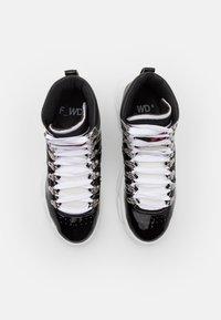 F_WD - Šněrovací kotníkové boty - black/white - 4