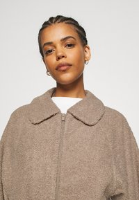 Vila - VIPIP BLOUSON - Winter jacket - simply taupe - 3